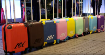 ノベルティ製作事例|スーツケース